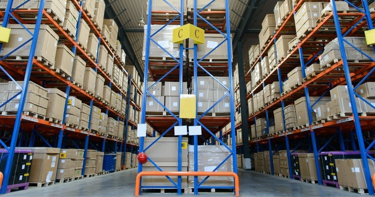 O que é um sistema modular na armazenagem de produtos?